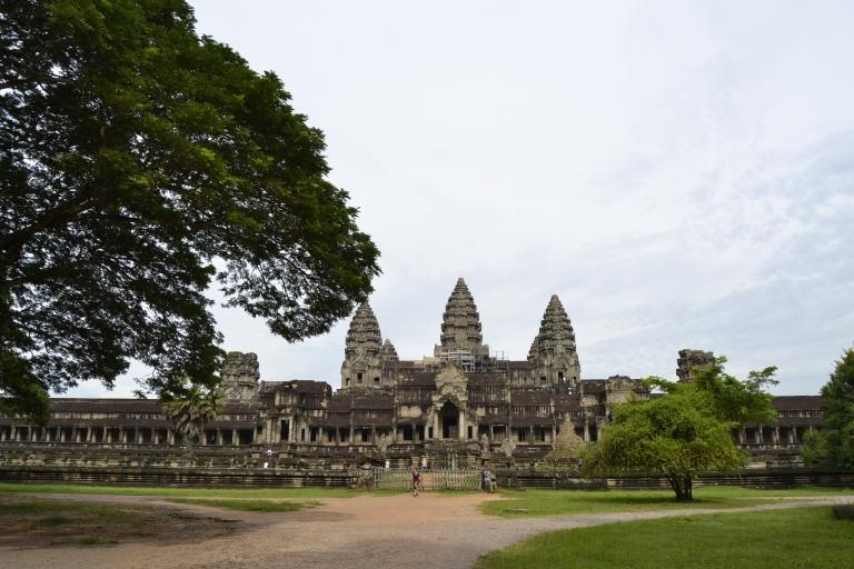 Detrás de Angkor Wat