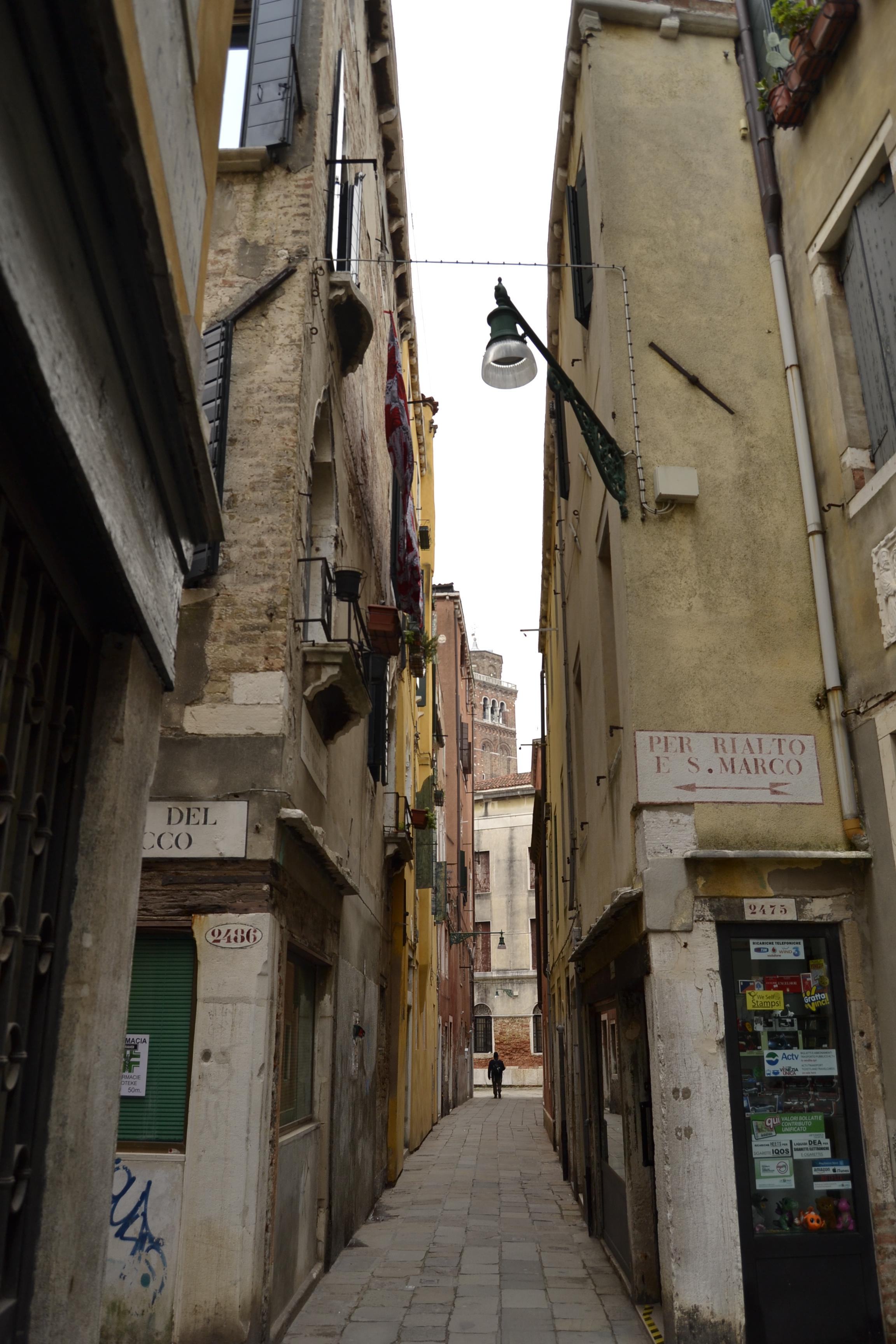 Paseando por las calles de Venecia